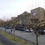 Lange Schlange am Frankfurter Städel-Museum (Foto: Uwe Richter)